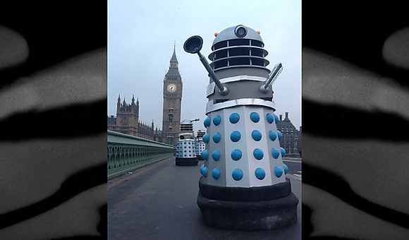 daleks-invasion-earth-london